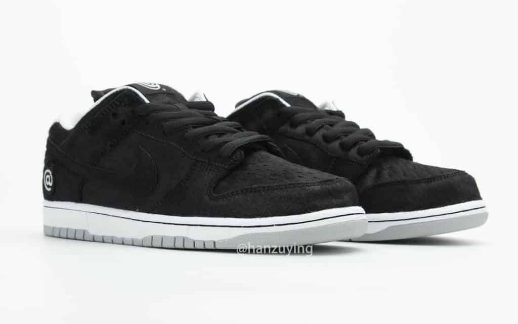 Nike SB Dunk Low Be@rbrick side