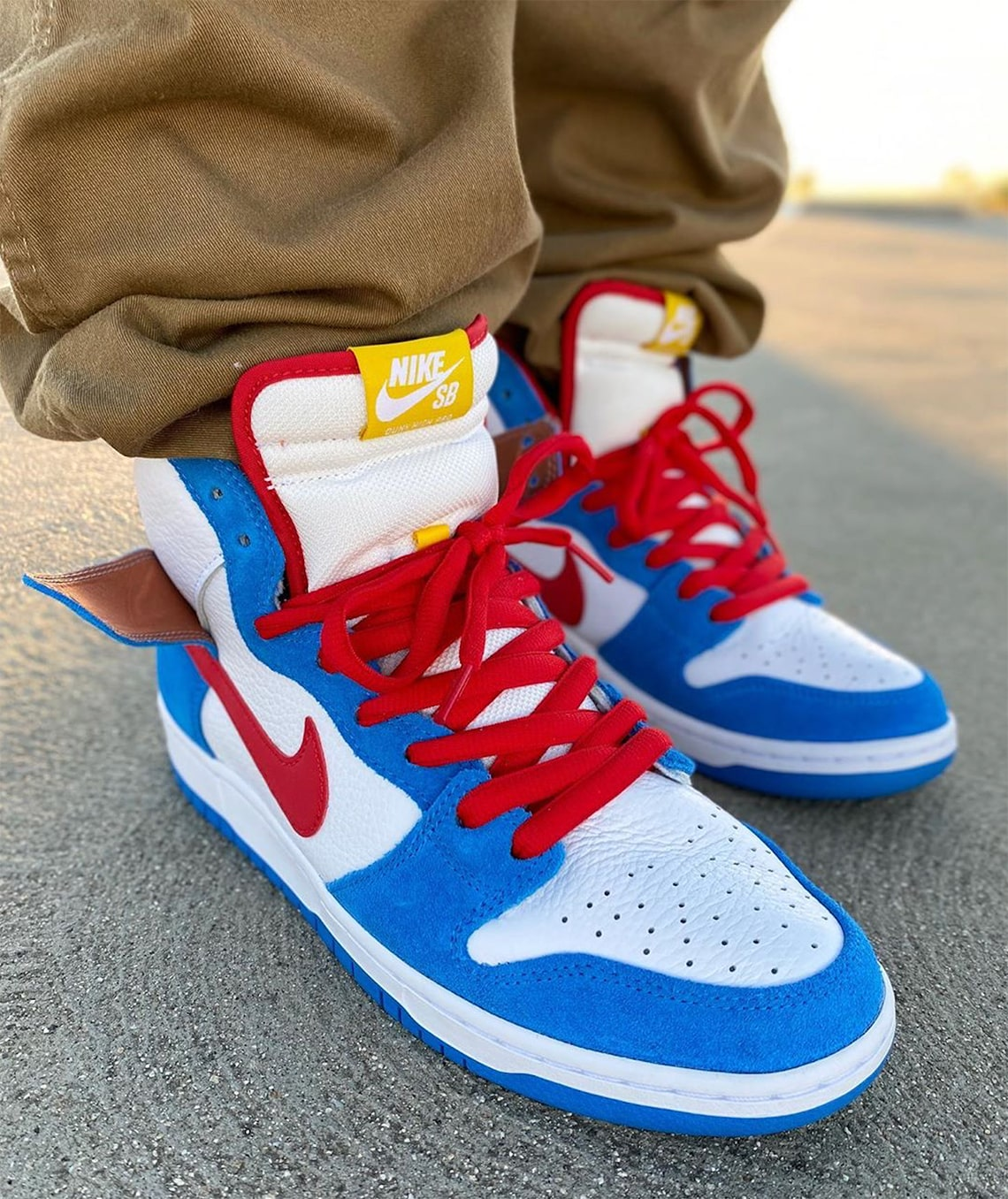 nike-sb-dunk-high-doraemon