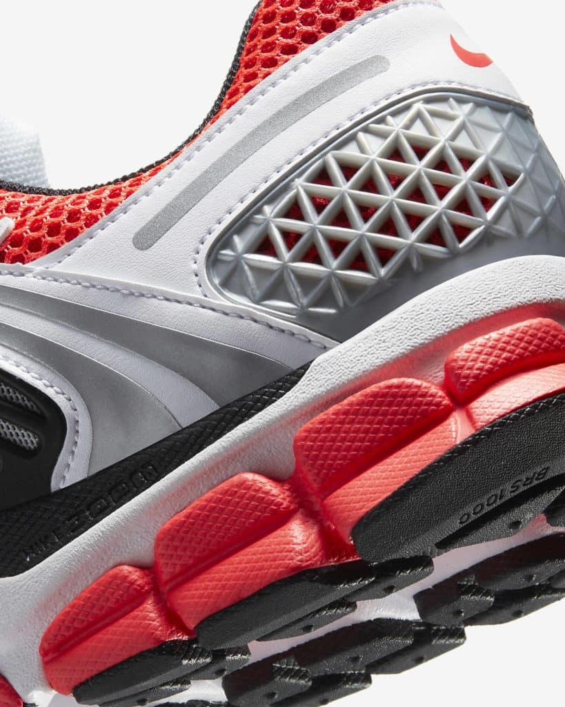 Zoom Vomero 5 SE Bright Crimson Heel