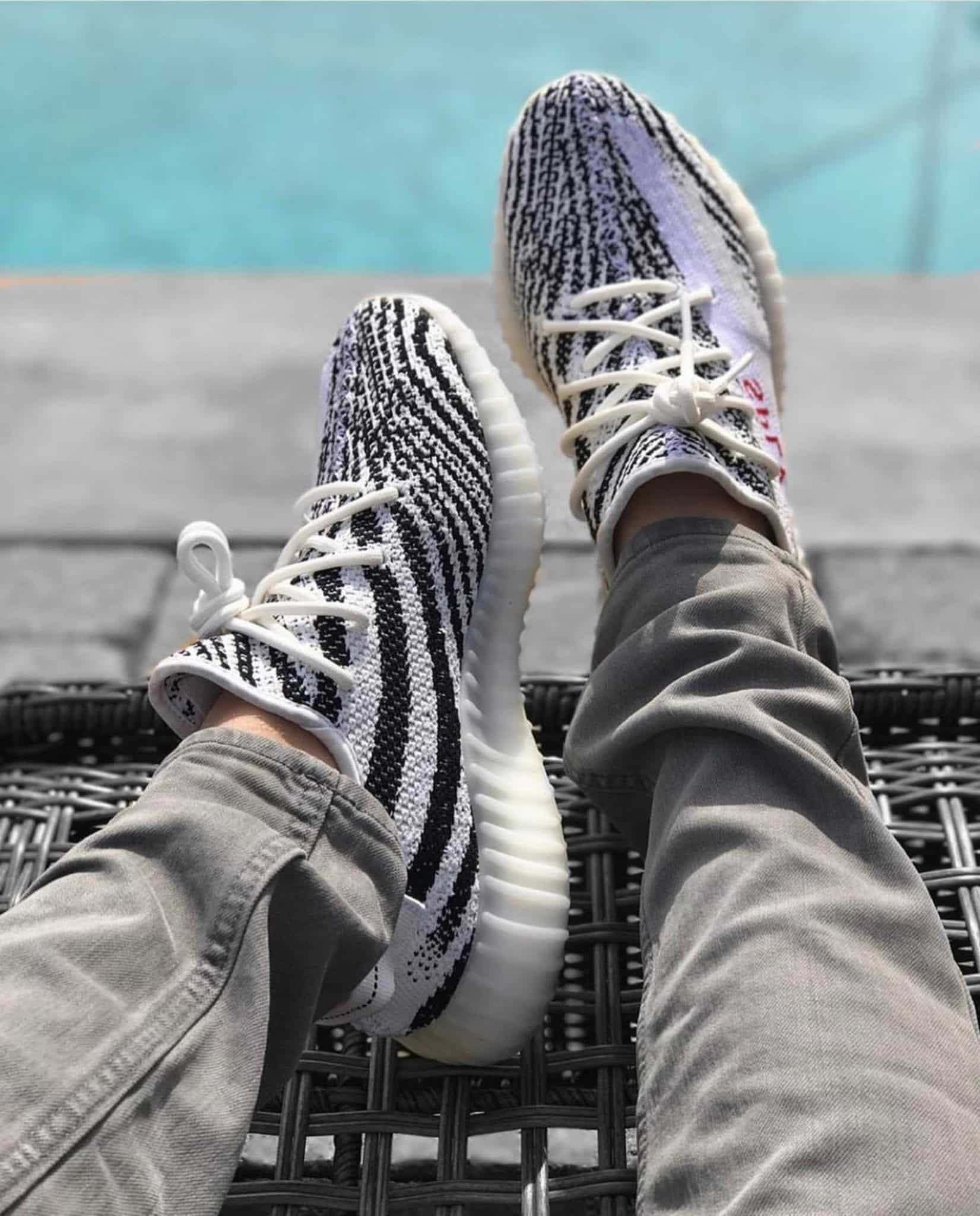 yeezy 350 v2 zebra on feet image via hfdfcxgs1030
