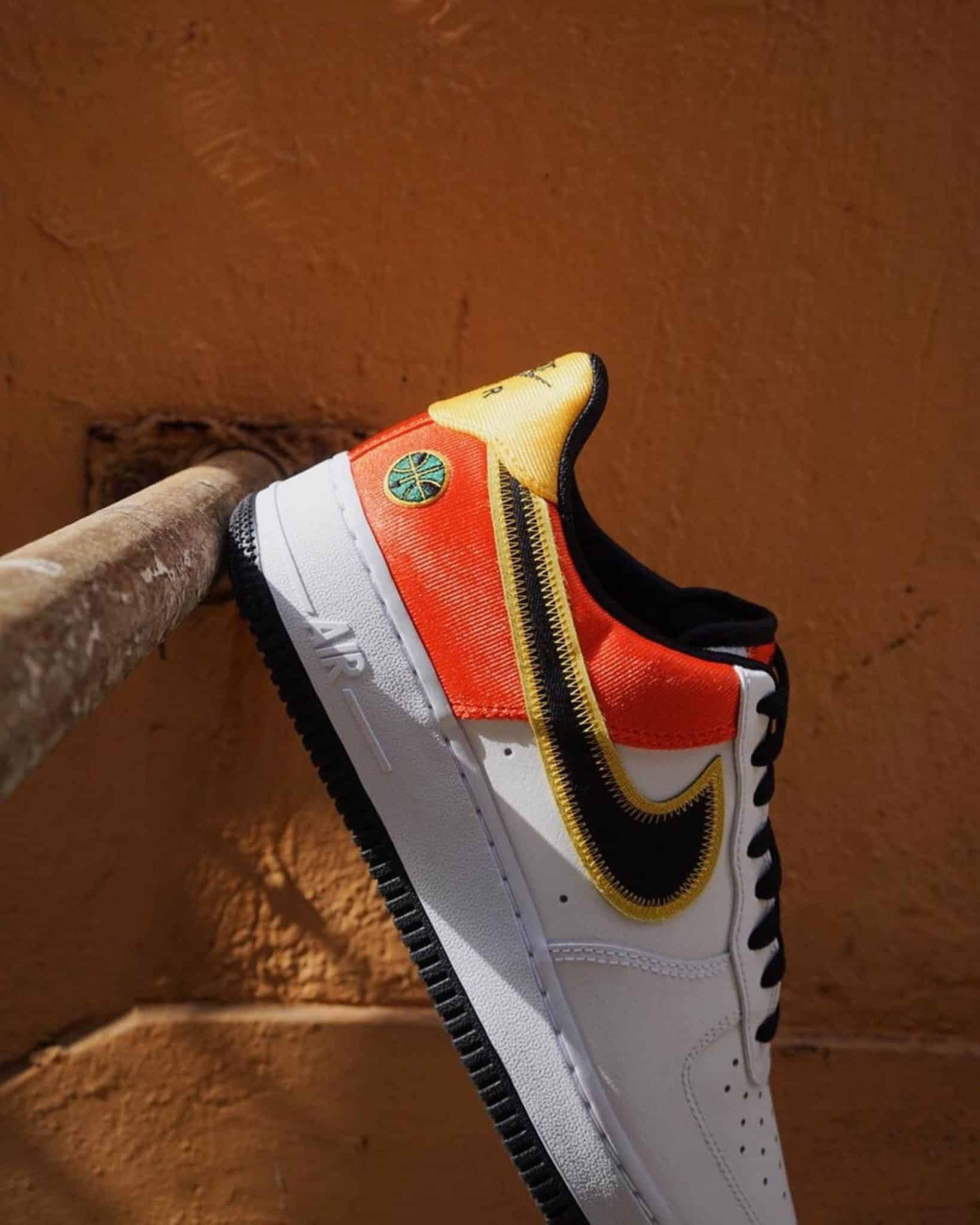"""Air Force one low """"raygun"""" side view"""