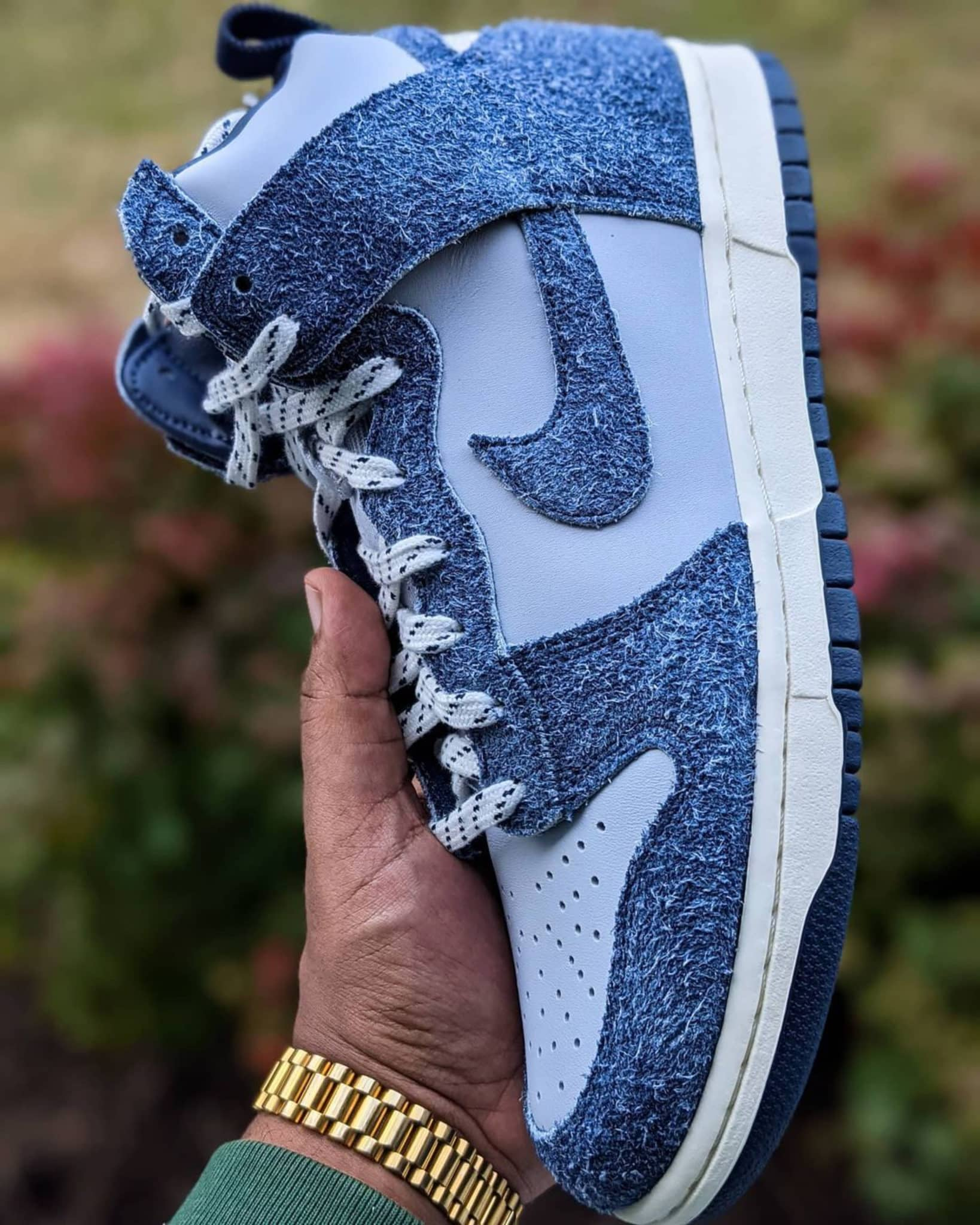 Taking a look at the Dunk High x Notre Midnight Navy
